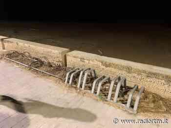 """Malfa: """"Rastrelliere per bici da ripulire a Marina di Ragusa"""" - Radio RTM Modica"""