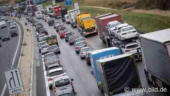 Stuttgart: Wegen Corona-Lockerungen wieder Staus an Pfingsten - BILD