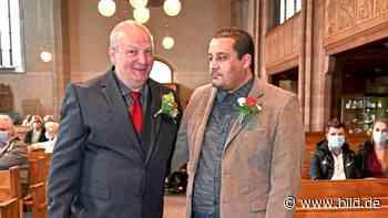 1. schwäbische Kirchenhochzeit für schwules Paar - BILD