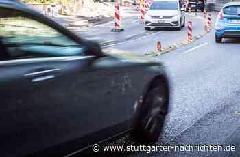 Unfall auf der Neuen Weinsteige in Stuttgart - 19-Jähriger gerät nach Sekundenschlaf in Gegenverkehr - Stuttgarter Nachrichten