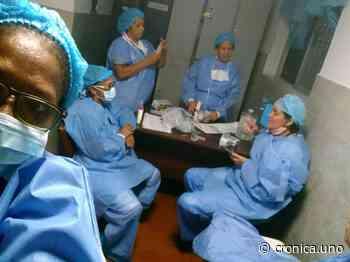 Personal de hospitales de Guarenas y Guatire recibe gel antibacterial para evitar el COVID-19 - Crónica Uno