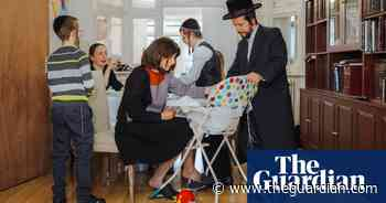How a Haredi community in London is coping with coronavirus – photo essay - The Guardian