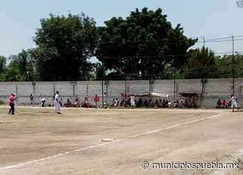 En plena contingencia juegan partidos de béisbol en Atlixco - Municipios Puebla