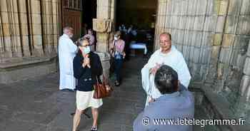 Une trentaine de fidèles pour la première messe à la basilique - Le Télégramme