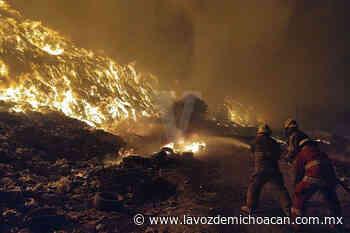 A 30 por ciento, extinción de incendio en el basurero de Uruapan - La Voz de Michoacán