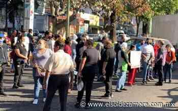 Se manifiestan en Uruapan: llaman al fin de cuarentena - El Sol de Zamora