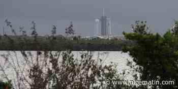 J-1 avant le lancement de deux astronautes à bord d'une fusée SpaceX