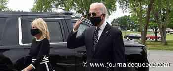 Masqué, Biden repart en campagne contre Trump dans une Amérique divisée