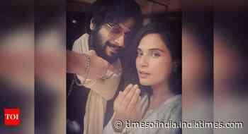 "Ali Fazal gives ""Eid Wala"" pose with Richa"