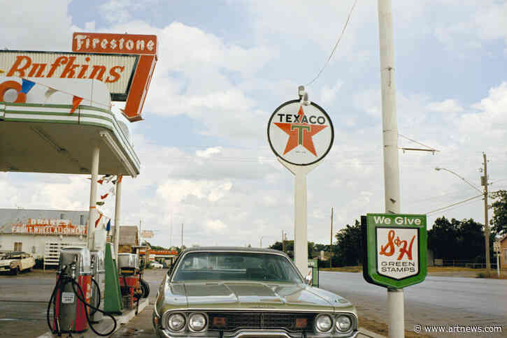 Stephen Shore's Iconic Road Trip Photographs Shaped the Way We Take Pictures Now