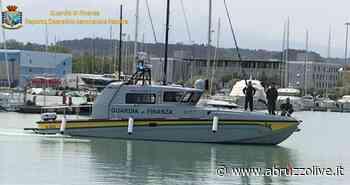 Nuova vedetta della Guardia di Finanza ormeggiata nel porto turistico di Pescara - AbruzzoLive