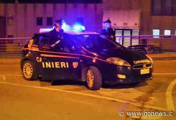 Schiaccia mano a un carabiniere e scappa all'alt: arrestato a Pontedera - gonews