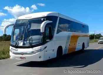 Polícia impede entrada de ônibus em Bom Jesus da Lapa, coletivo foi escoltado até Goiás - Agência Sertão