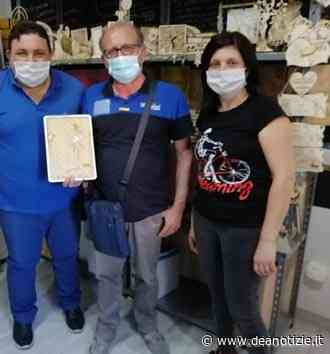"""Maddaloni, """"MC passione legno"""", artigiani amatoriali del legno di Maddaloni omaggiano Pasquale Pellegrino e Giuseppe Diodati, fotografi ed eccellenze maddalonesi - Dea Notizie"""