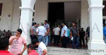 (Galería) Taxistas de Naranjos denuncian agresiones de la Policía Municipal - Vanguardia de Veracruz