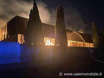 Paura a Scafati: in fiamme azienda conserviera - Salernonotizie.it