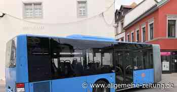 Feststeckender Bus sorgt in Alzey für Verkehrsbehinderung - Allgemeine Zeitung