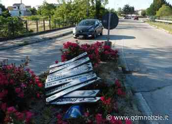 JESI / Divelto ancora il segnale stradale alla rotatoria - QDM Notizie