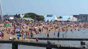 Jam-packed Southend-on-Sea as UK sunseekers escape quarantine on Bank Holiday - Yahoo News