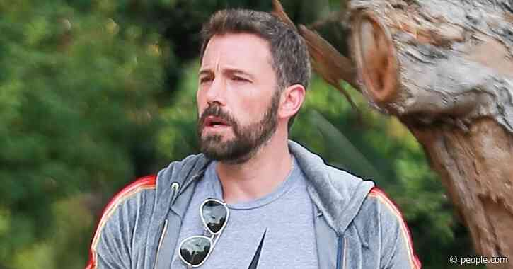 Ben Affleck Debuts Darker Beard as He Steps Out with Girlfriend Ana de Armas - PEOPLE.com