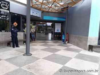 Guarda Municipal de Itupeva e Vigilância Sanitária colocaram fim às aglomerações no estacionamento do Shopping Serra Azul - Itupeva Agora
