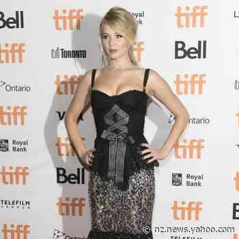 Jennifer Lawrence's quarantine drinking rules - Yahoo New Zealand News