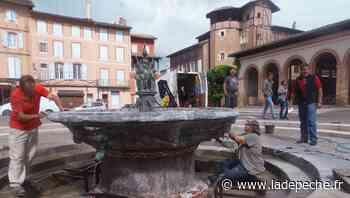 A Gaillac, une fontaine utilisée comme piscine sème la zizanie - LaDepeche.fr