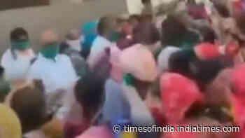 Congress leader Digvijaya Singh flouts social distancing norms