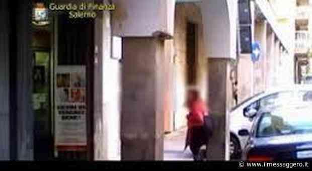 Salerno, falsa cieca percepiva da 7 anni 700 euro al mese: scoperta grazie ad appostamenti - Il Messaggero