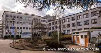 Die Idee eines OP-Zentrums als Folgenutzung für das Ottweiler Krankenhaus wird in der Kommunalpolitik zwiespältig betrachtet. - Saarbrücker Zeitung