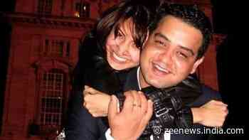 Bollywood News: Anushka Sharma`s childhood pic with brother Karnesh is the best thing on internet today! - Zee News