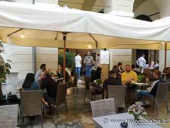A Cuneo si prosegue con la riapertura: portici e via Roma tornano a popolarsi, con bar e ristoranti (VIDEO) - LaVoceDiAlba.it