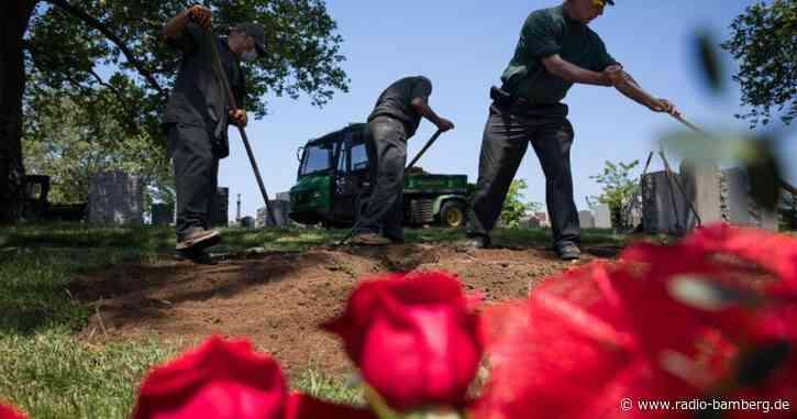 US-Wissenschaftler: Mehr als 100.000 Corona-Tote in den USA