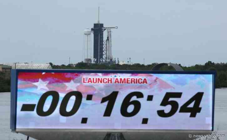 SpaceX, NASA delay milestone mission over lightning fears