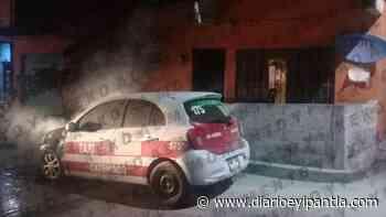 Se quemó un taxi en Catemaco - Diario Eyipantla