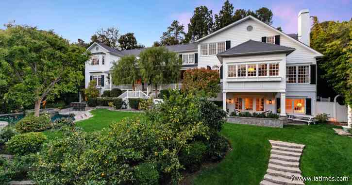 Hot Property: Ashton Kutcher and Mila Kunis list home - Los Angeles Times