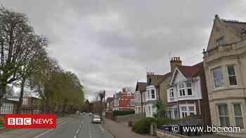 Peterborough murder arrest after man dies in 'disturbance' - BBC News