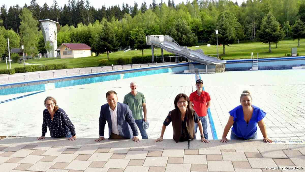 Taufkirchen drängt auf Freibadsaison - Süddeutsche Zeitung