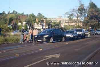 Engavetamento entre cinco carros e uma motocicleta é registrado em Frederico Westphalen - Rádio Progresso de Ijuí