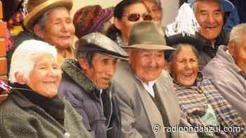 Juliaca: Buscan dar prioridad de atención a la persona adulta mayor - Radio Onda Azul