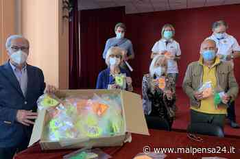 Il club Lions Olgiate Olona dona 700 mascherine colorate ai bimbi delle scuole - malpensa24.it