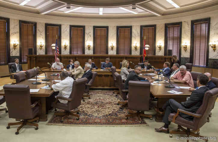Facing opposition from the governor, Senate delays vote on extending session for the year