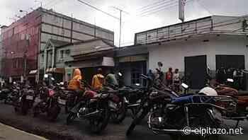 Mototaxistas protestaron frente a la Alcaldía de Bruzual para exigir gasolina - El Pitazo
