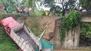 Se desplomó puente cuando pasaba un camión en Los Córdobas - LA RAZÓN.CO