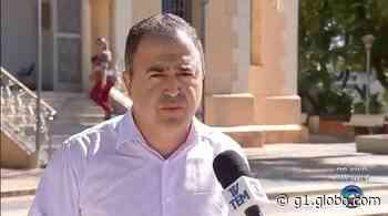 Justiça determina volta ao cargo de prefeito cassado em Agudos - G1