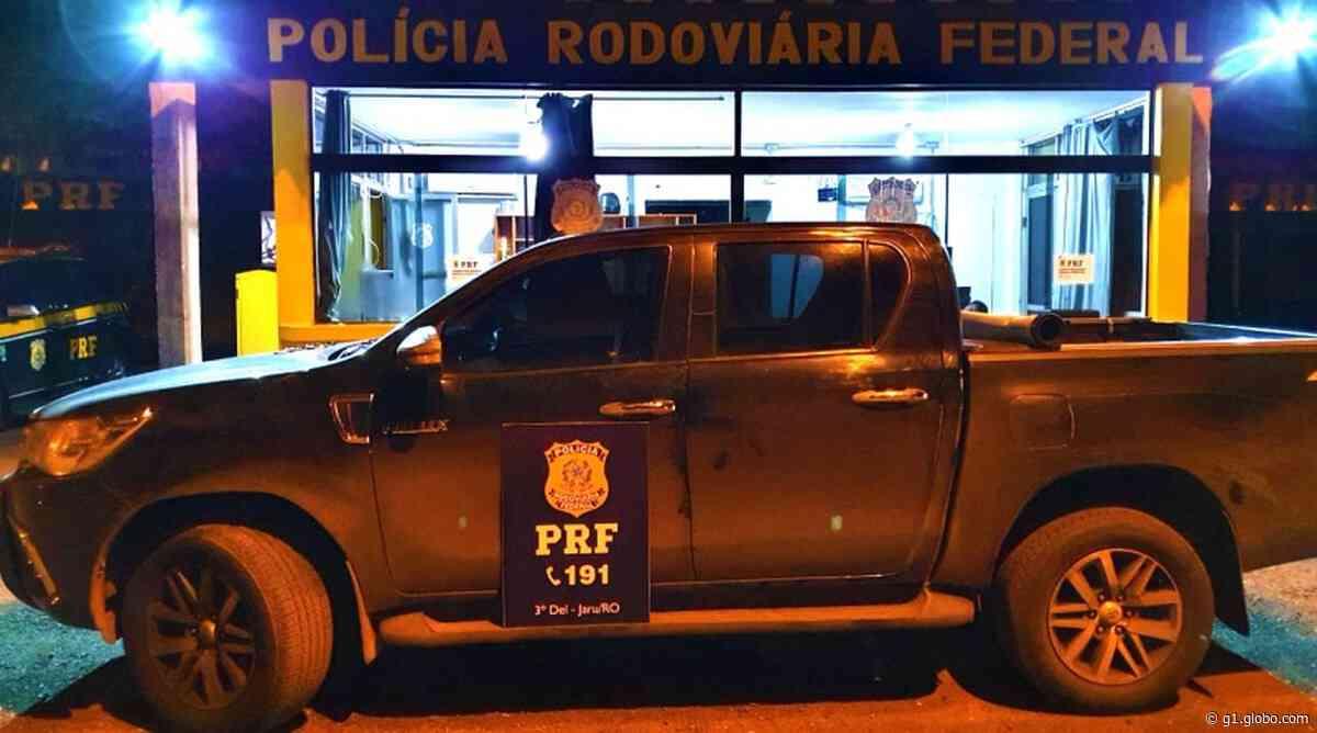 Caminhonete roubada na Bahia é recuperada com casal em Jaru, RO - G1