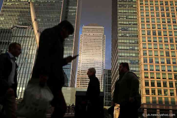 UK business confidence matches 2008 low in May - Lloyds Bank