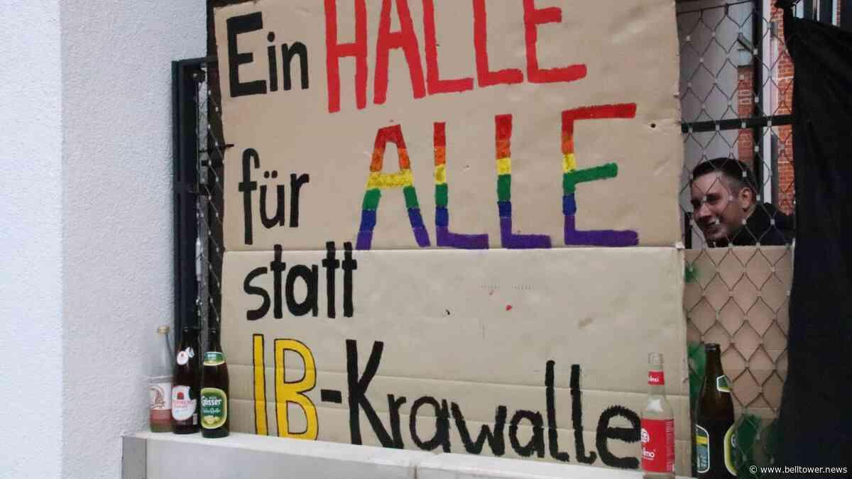 """Sieg für die Demokrat*innen in Halle: Die """"Identitäre Bewegung"""" gibt ihr """"Haus Flamberg"""" auf - Belltower News"""