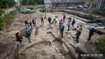 """""""Archäologische Sensation"""": Überreste von Hunderte Jahre alter Kirche in Halle entdeckt - MDR"""