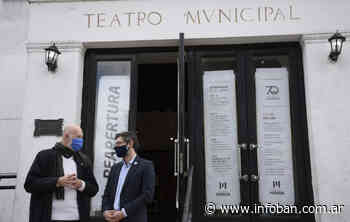 Morón conmemoró el 70º aniversario del Teatro Municipal Gregorio de Laferrere - InfoBan